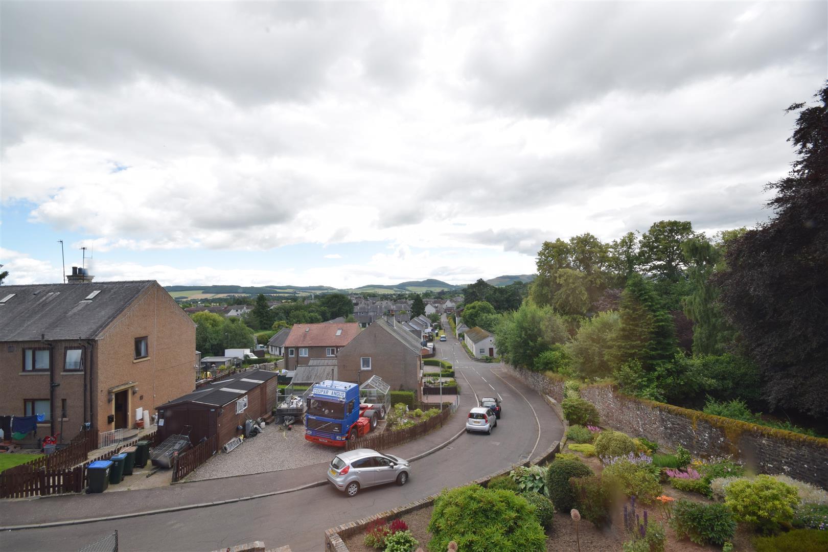 10, Middlehills, Coupar Angus, Blairgowrie, Perthshire, PH13 9BD, UK